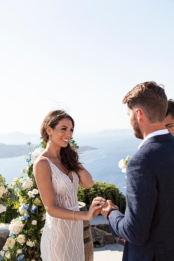 romantic-wedding-santorini-white-fresh-flowers-greenery_25