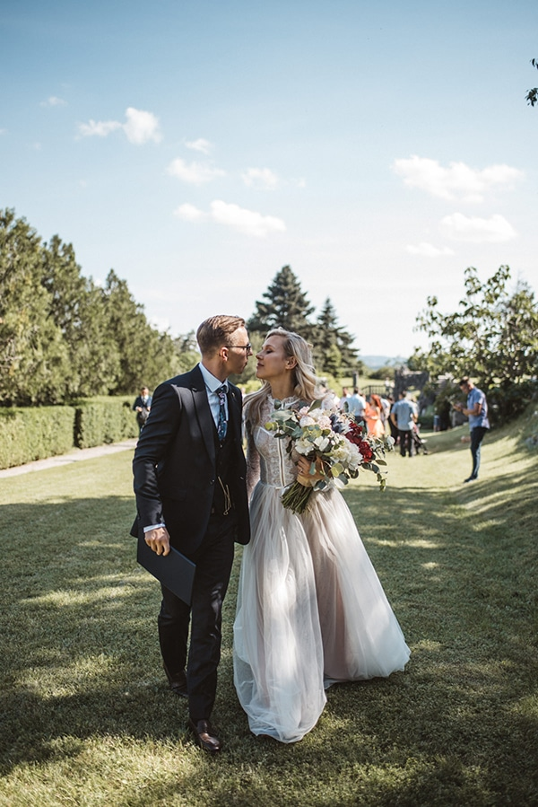 romantic-wedding-slovenia-rustic-natural-elements_00
