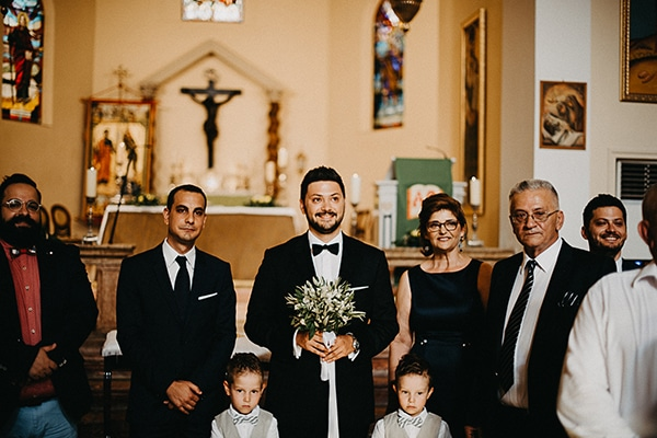summer-wedding-olives-white-flowers_18