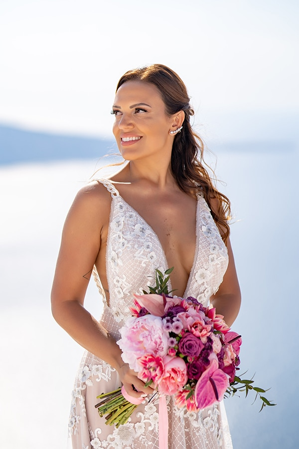 beautiful-intimate-santorini-wedding-fresh-fuchsia-flowers_02