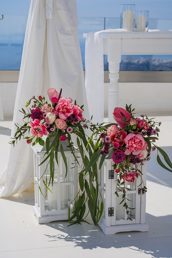 beautiful-intimate-santorini-wedding-fresh-fuchsia-flowers_10