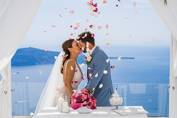 beautiful-intimate-santorini-wedding-fresh-fuchsia-flowers_15