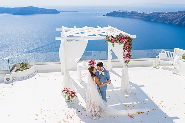 beautiful-intimate-santorini-wedding-fresh-fuchsia-flowers_20
