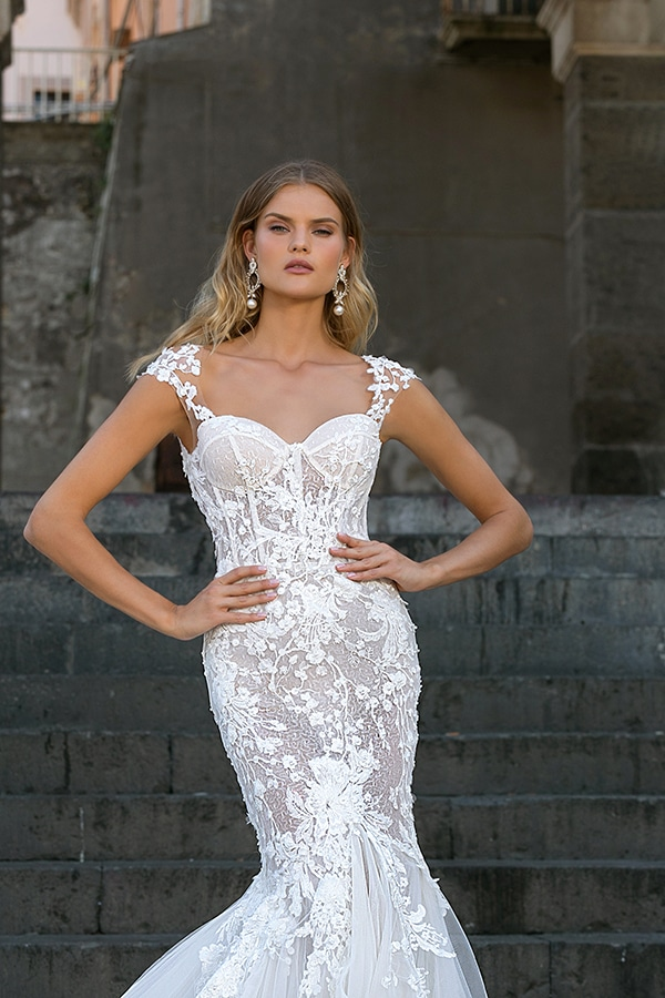 glamorous-wedding-dresses-breathtaking-bridal-look-berta-2020-collection_05x