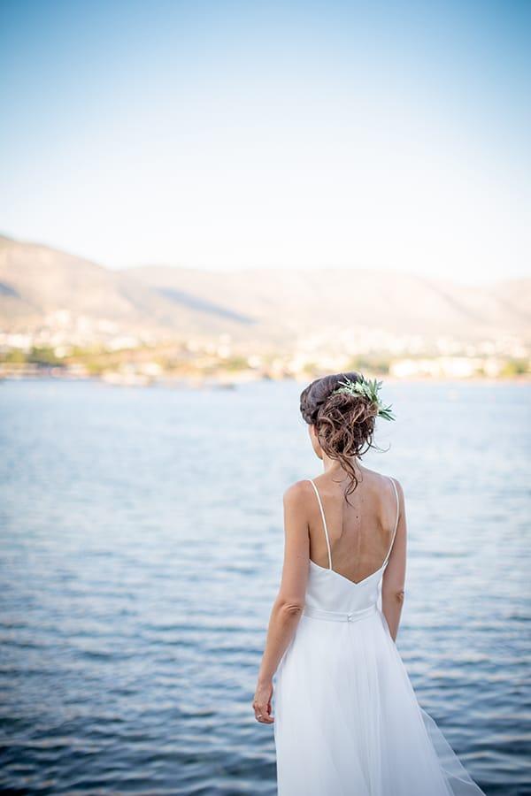 gorgeous-natural-wedding-athens-white-flowers_04