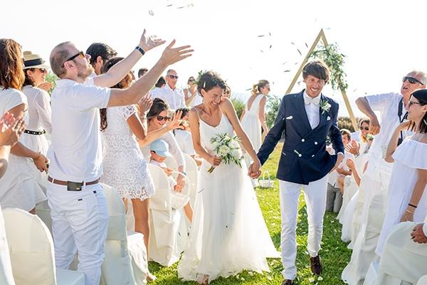 gorgeous-natural-wedding-athens-white-flowers_25