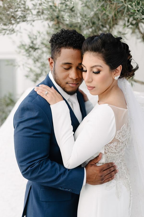 intimate-elegant-wedding-white-roses-olive-branches_02