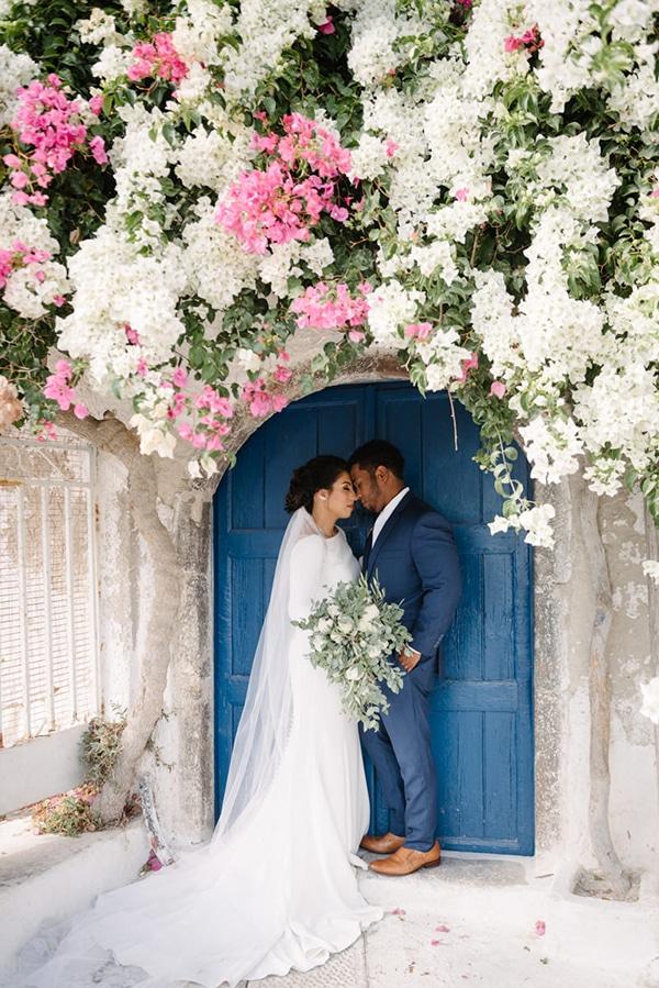 intimate-elegant-wedding-white-roses-olive-branches_03