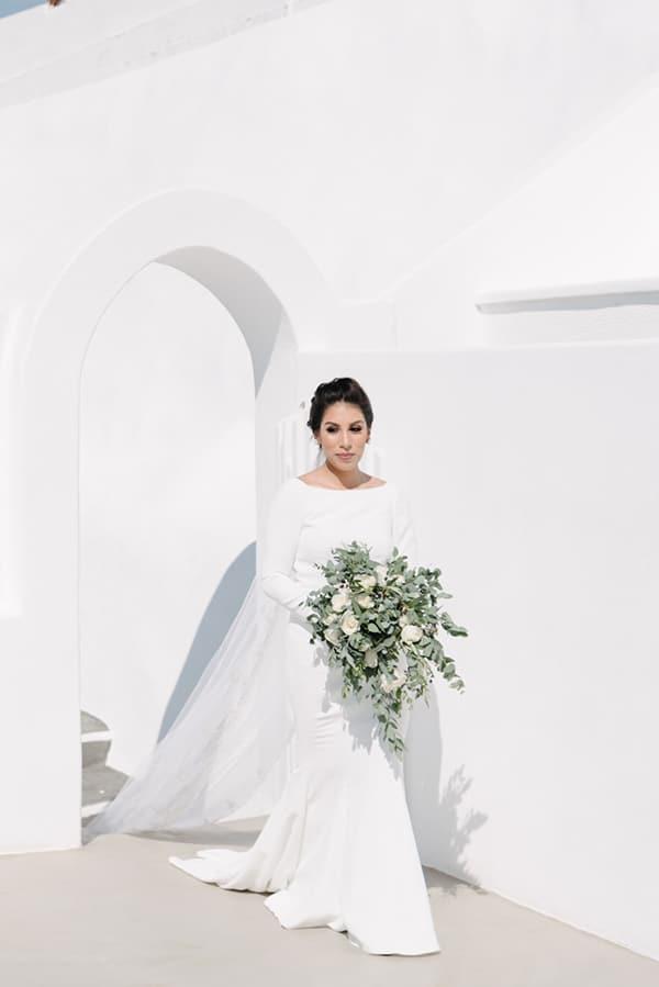 intimate-elegant-wedding-white-roses-olive-branches_09