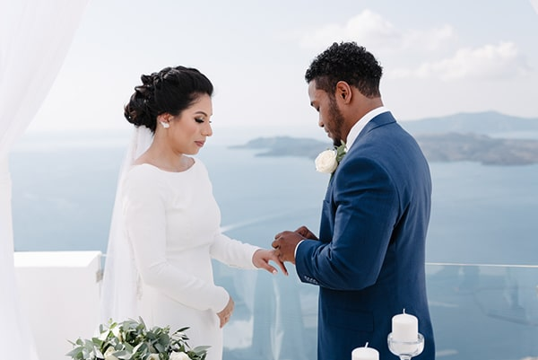 intimate-elegant-wedding-white-roses-olive-branches_12