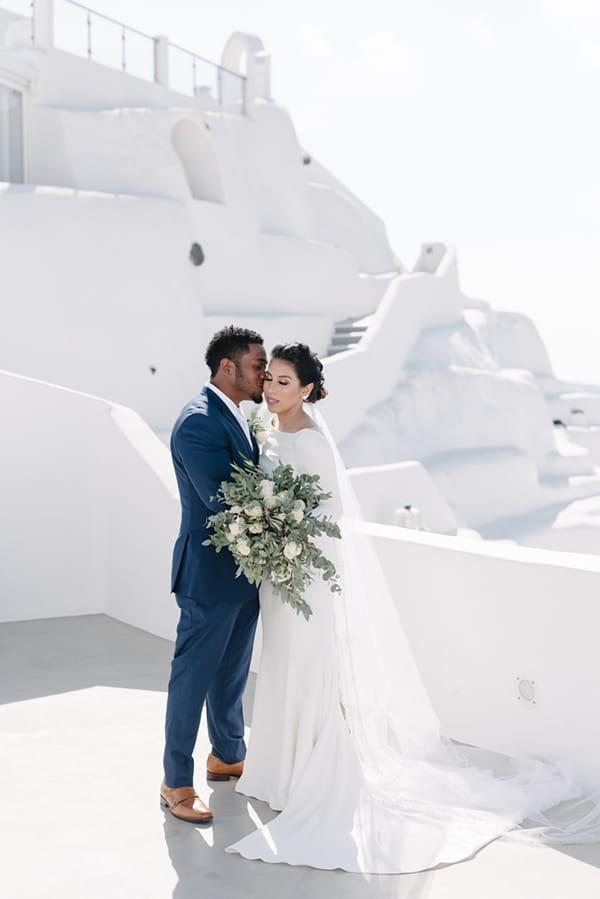 intimate-elegant-wedding-white-roses-olive-branches_15