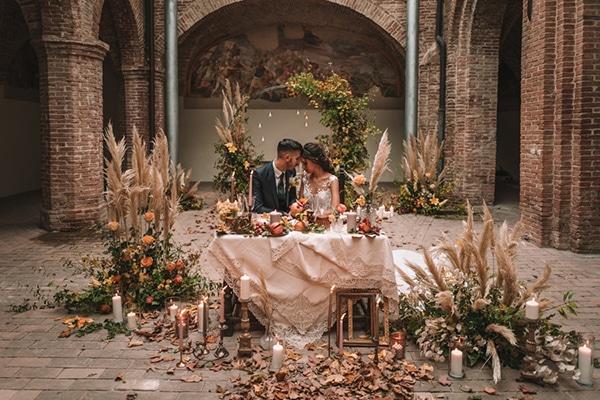 Romantic autumn styled shoot in Italy