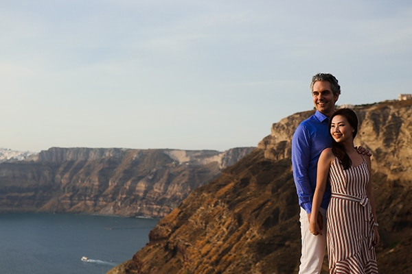 Romantic honeymoon shoot in Santorini | Vivien & Phil